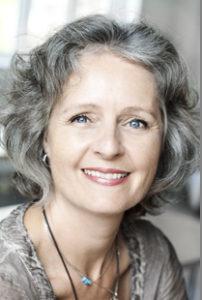 Mia Damhus - моя почти 60-летняя учительница в школедиетологии и лечебного питания. Когда я узнала, сколько ей лет, я была внедоумении.