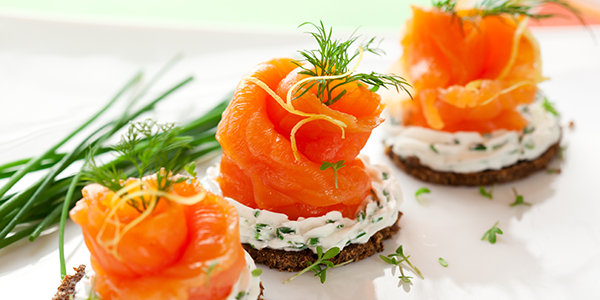 Совет по экономному питанию от диетолога Екатерины Йенсен: Если же вы любите малосольную рыбу, то ее намного дешевле солить самим.