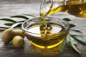 Оливковое масло - продукт от старения, чем богато:полиненасыщенные жирные кислоты, полифенолы и антиоксиданты