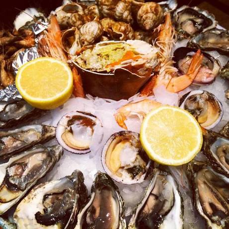 Морской набор в ресторане Парижа - с него француженкам не потолстеть