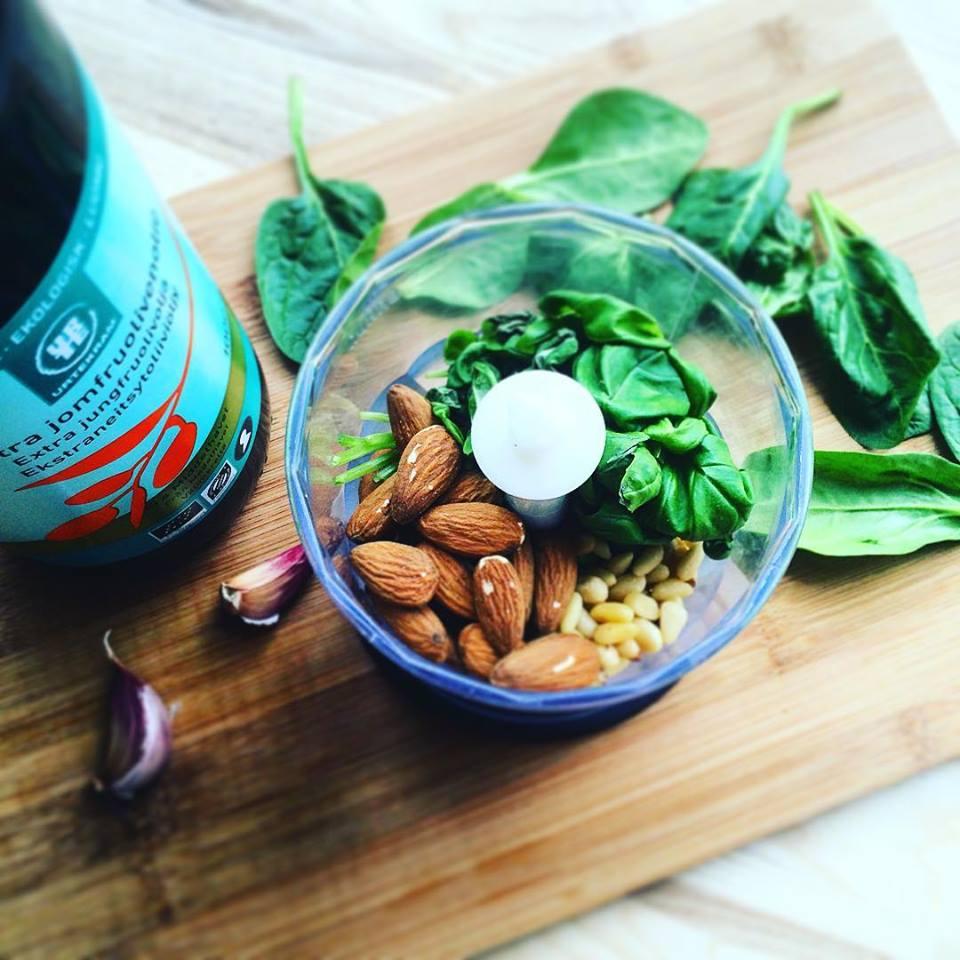 Соус песто - один из 10 продуктов, которые нужно иметь на своей кухне