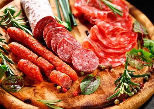 """Миф о вреде жиров #3: """"Животные жиры ведут к увеличению уровня холестерина в крови""""- неверно."""