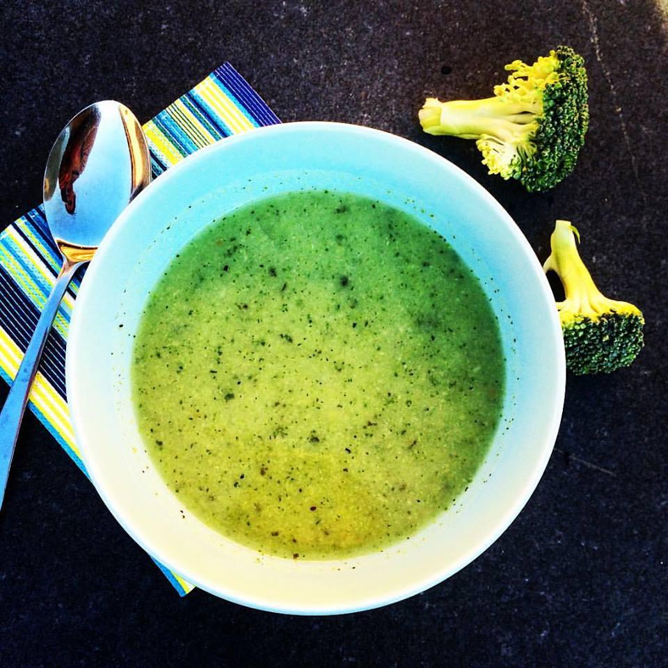 рецепт ощелачивания № 4 суп брокколи. Все ингредиенты в этом рецепте являются ощелачивающими продуктами