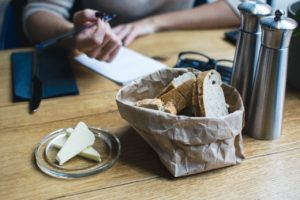 Калорийность рациона: жиры против углеводов
