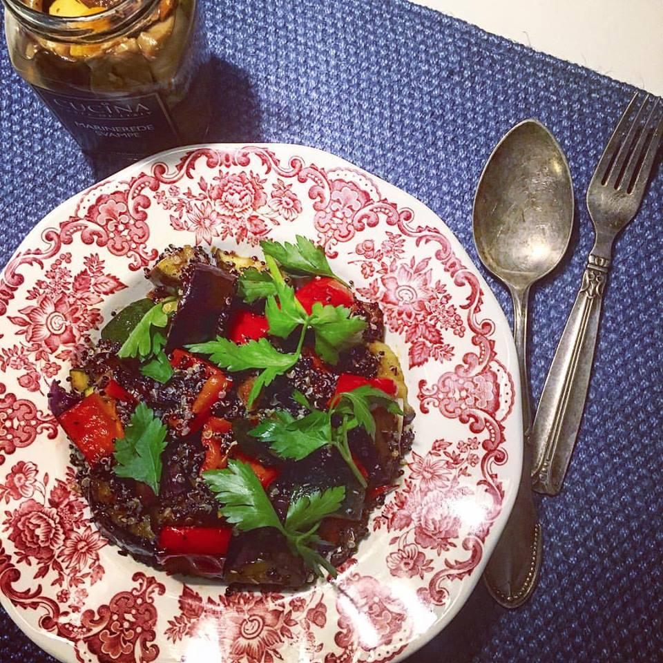 Ужин из киноа с овощами в итальянском стиле