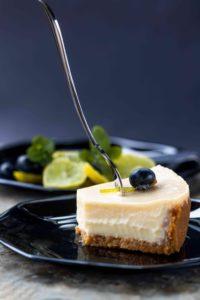 сыроедческий торт без глютена, молока и сахара рецепт